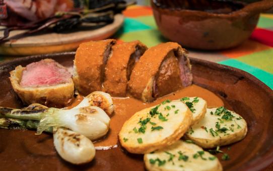 Filete de cerdo con hojaldre y Pipián